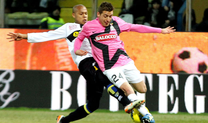 giaccherini-fouled-by-biabiany.jpg